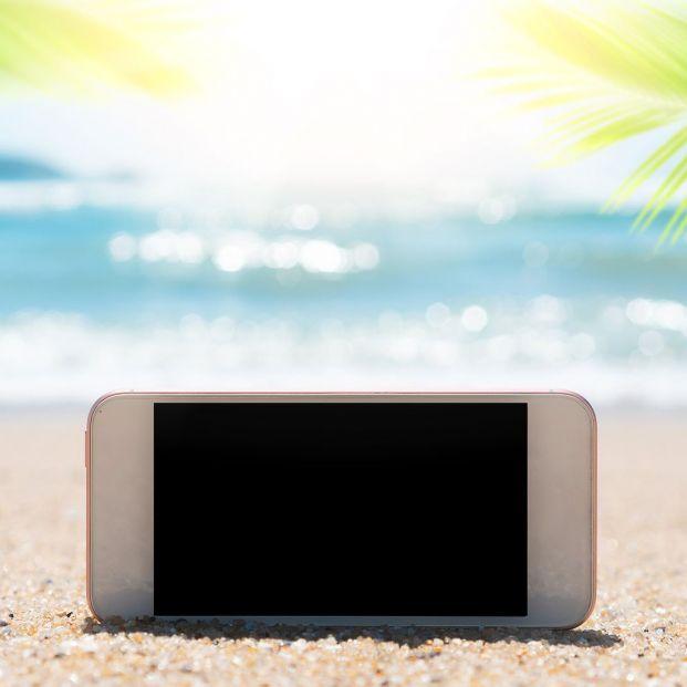¿Qué pasa si dejas mucho tiempo el móvil al sol? (bigstock)