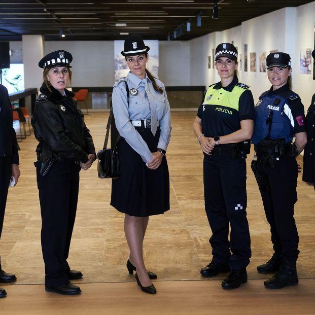 """Las primeras policías municipales cuentan sus inicios: """"Algunos conductores nos mandaban a fregar"""""""