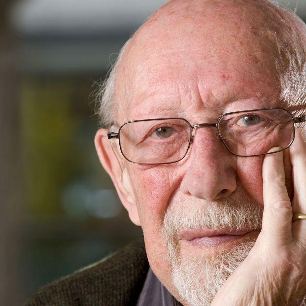 ¿Por qué al envejecer salen pelos en la nariz y las orejas?