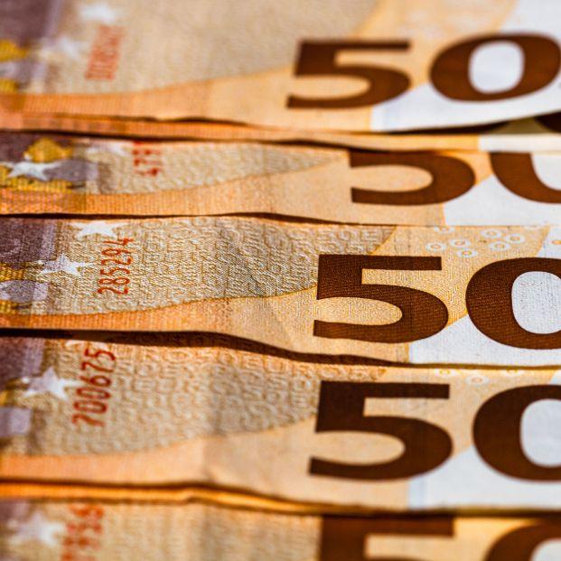 Encuentran 3.500 euros en un punto de reciclaje de Murcia que olvidó un vecino hace dos años