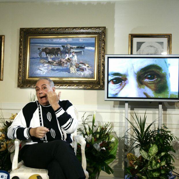Registran la casa de José Luis Moreno con perros especializados en busca de dinero negro