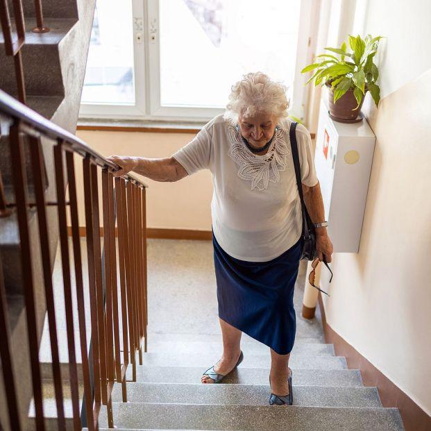 Casos en que es obligatorio instalar y pagar un ascensor si lo pide un vecino mayor de 70 años  (Foto Bigstock) 2