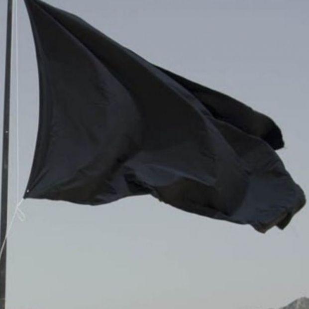 Vertidos de aguas residuales y mala depuración provocan 48 banderas negras en las costas españolas. Foto: Europa Press