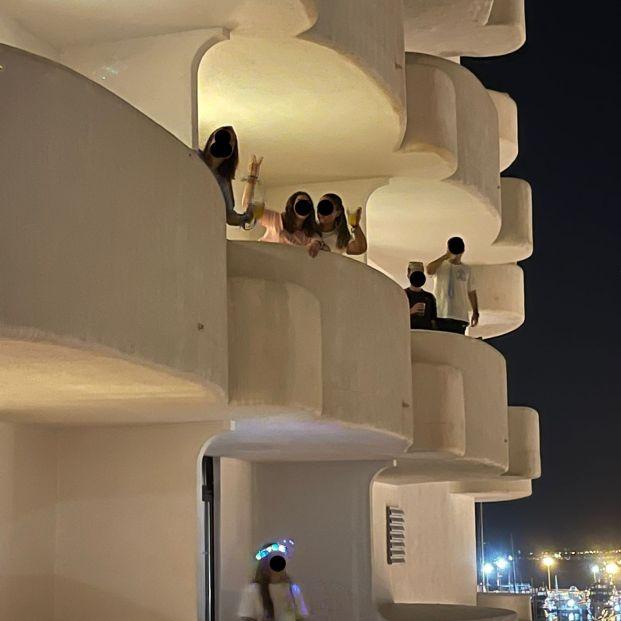 EuropaPress 3814212 estudiantes confinados hotel mallorca