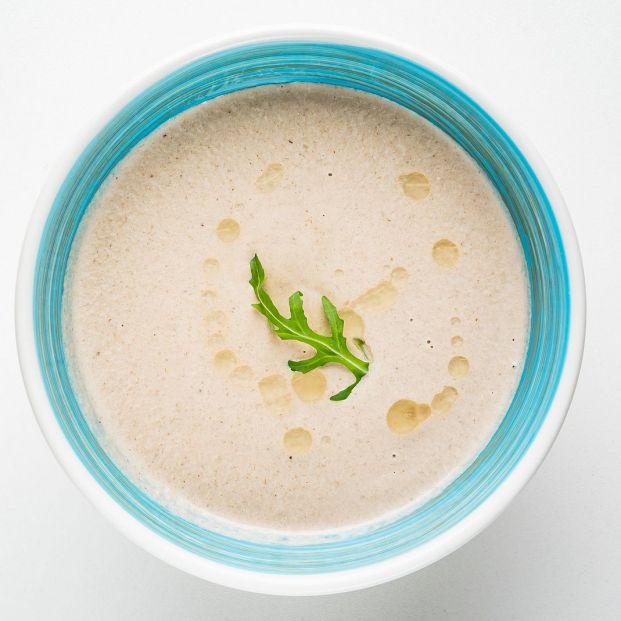 Prepara la mazamorra cordobesa, el precursor del salmorejo. Foto: bigstock