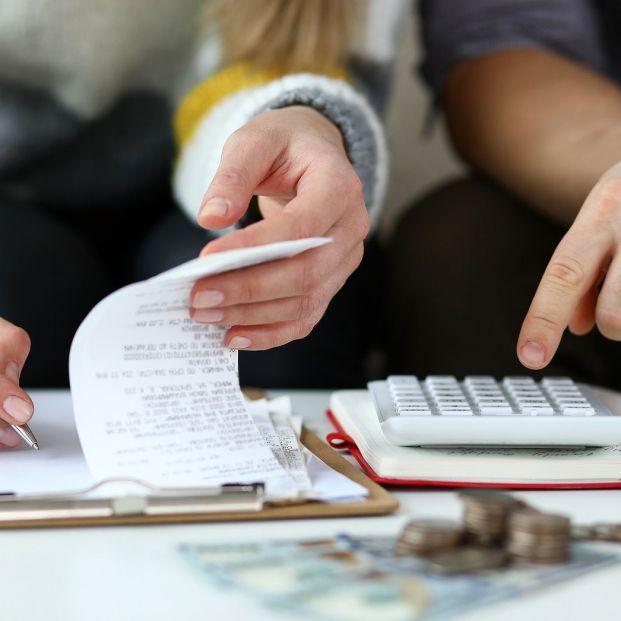 Qué gastos paga el inquilino y cuáles el propietario en un piso de alquiler (Foto Bigstock)
