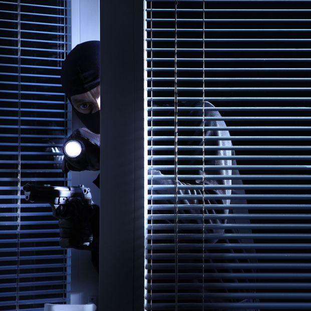 Toma nota de estos tres trucos de la policía para que no te roben en casa este verano (bigstock)