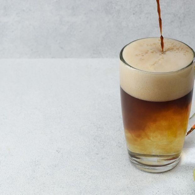 Aprende a preparar el café-tónic, la bebida de moda para el verano