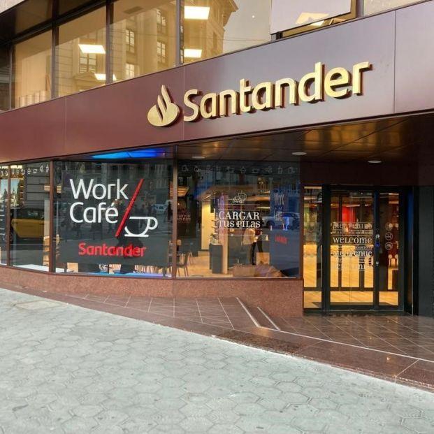 EuropaPress 3533826 banco santander abre segundo work cafe barcelona