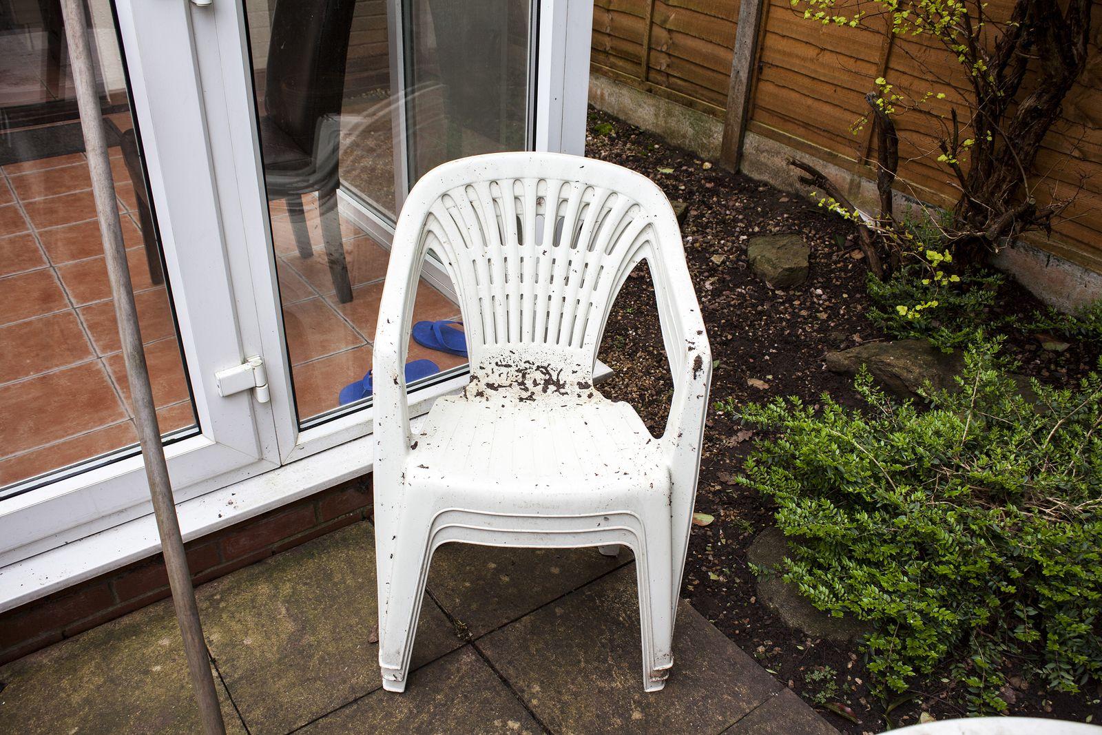 Muebles De Jardin En.Como Recuperar El Blanco De Tus Muebles De Jardin