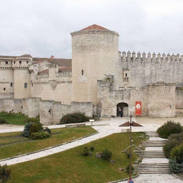Visitas teatralizadas nos acercan a la historia del castillo de Cuéllar (cuellar.es)