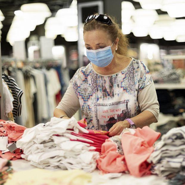 ¿Pagar a plazos ropa, calzado o cosmética? Cuidado con el riesgo que asumes (Foto Bigstock)