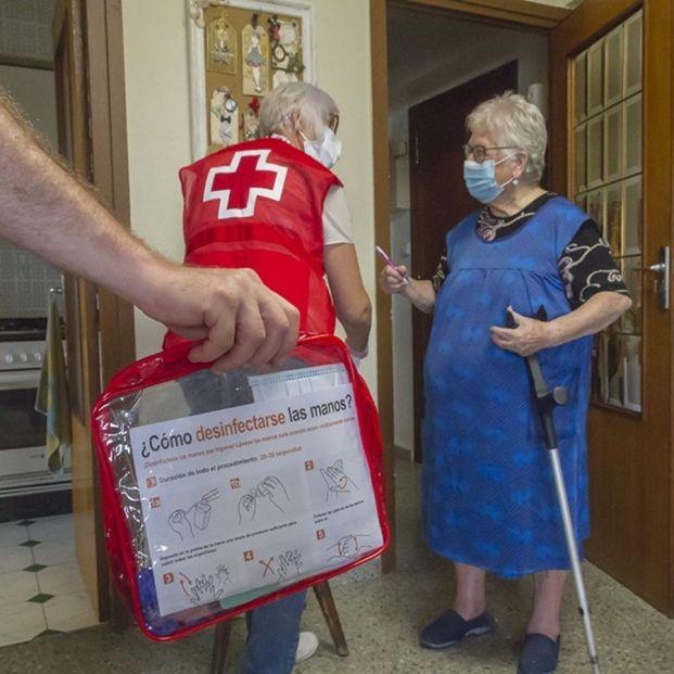 """Cruz Roja atiende a más de 145.000 personas con su servicio de teleasistencia: da """"tranquilidad"""". Foto: Europa Press"""