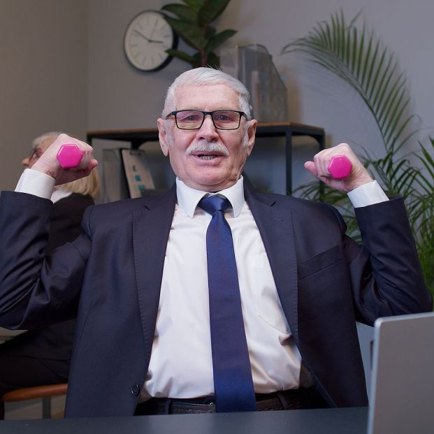 Motivos para tener un currículum vitae al día incluso si te has jubilado (Foto Bigstock)