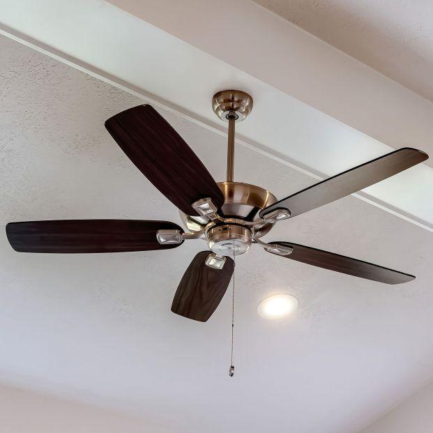 ¿Quieres instalar un ventilador de techo? Antes de hacerlo lee este artículo