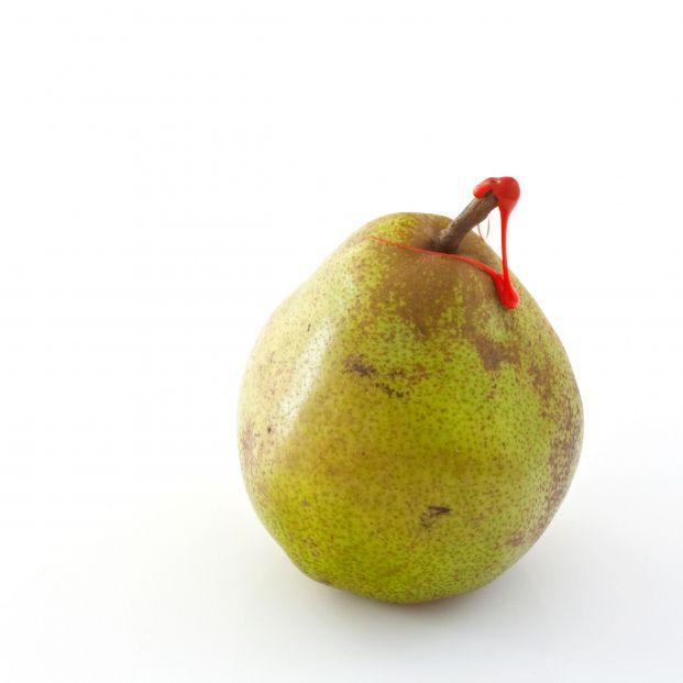 ¿Para qué sirve el punto de cera rojo que tienen algunas frutas? (bigstock)