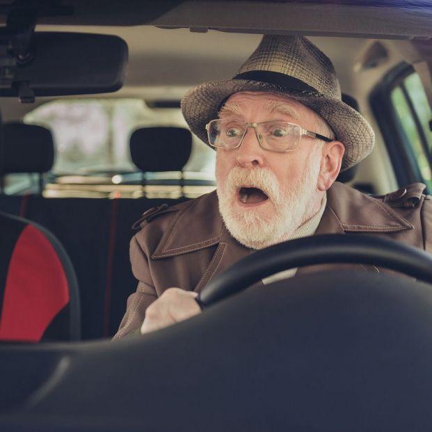 Los consejos de la DGT para evitar el peligroso 'efecto pantalla' cuando adelantamos un camión (Foto Bigstock)