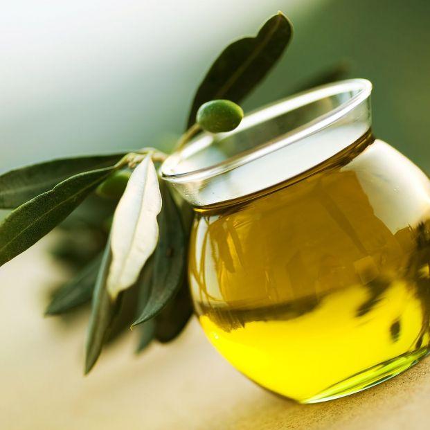 Estos dos aceites de oliva virgen de El Corte Inglés se han colgado la medalla de oro de los mejores del mundo (Foto Bigstock)