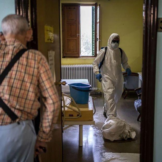 El Covid vuelve a entrar en las residencias: se disparan los contagios, sobre todo en Cataluña