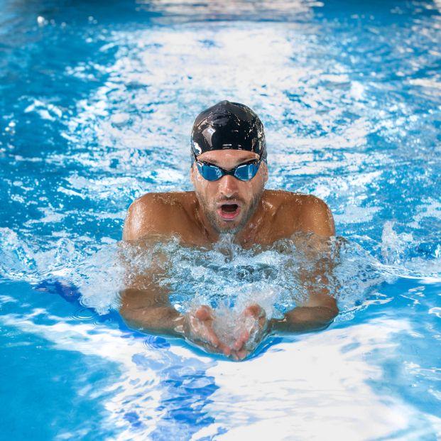 El desconocido peligro de utilizar gafas de natación