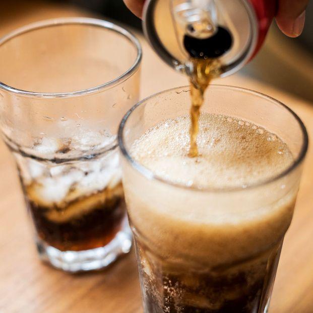 El problema de la desnutrición en mayores: Los expertos llaman a huir de las bebidas azucaradas