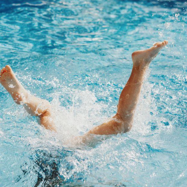 Advierten del peligro de los saltos y zambullidas en el agua
