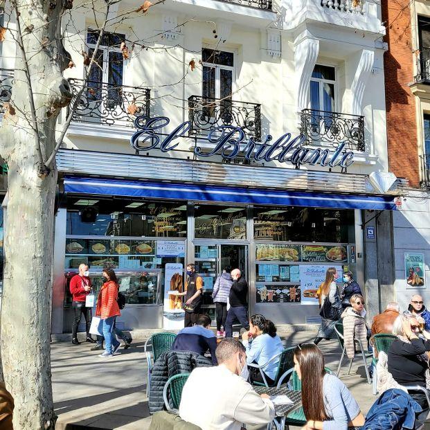 'El Brillante', el mítico bar madrileño de calamares que solo contrata a mayores de 50 años