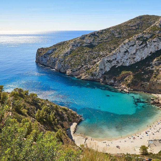 Las playas más bonitas de Alicante: Granadella. Foto: bigstock