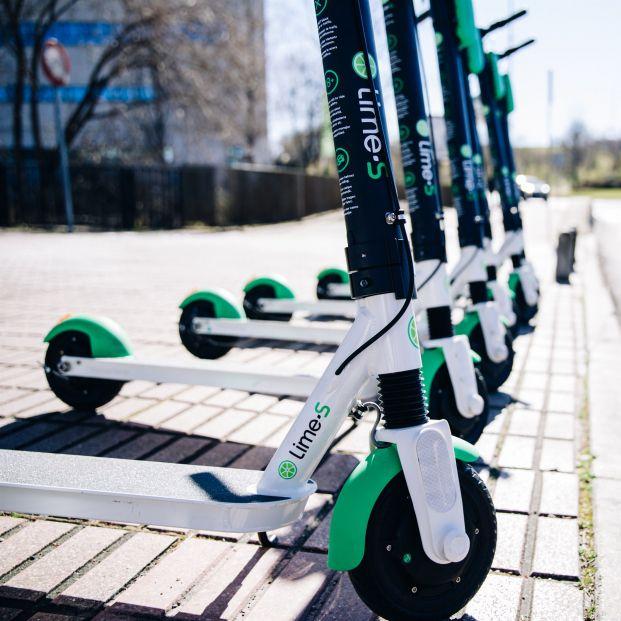 El Ayuntamiento de Málaga abre un expediente para retirar la autorización de los patinetes Lime