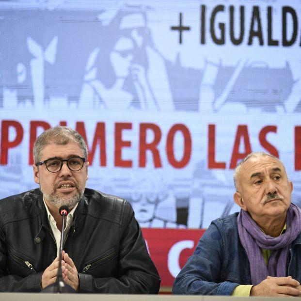 Los secretarios generales de CCOO y UGT Unai Sordo (i) y Pepe Álvarez (d) presentan actos del 1º de Mayo.