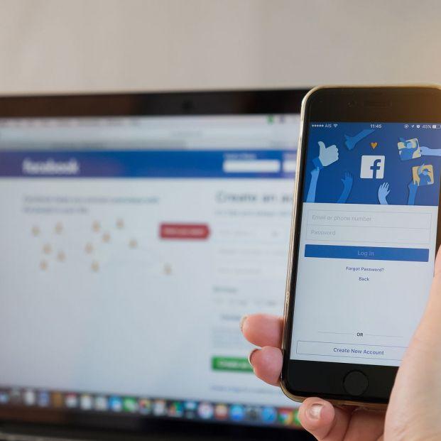 ¿Cómo puedo dar de baja mis redes sociales? (Big stock)