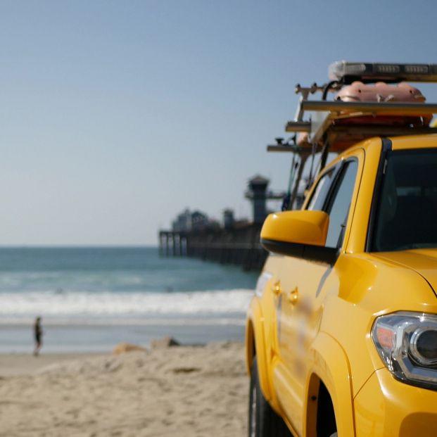 Alertan del robo de viviendas por dejar las llaves en el coche al ir a la playa. Foto: Europa Press