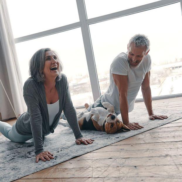 Posturas de yoga para cuidar la zona lumbar (BigStock)