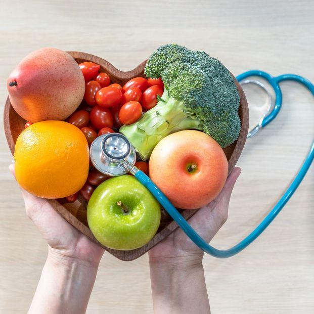 Comer más alimentos vegetales reduce el riesgo de enfermedad cardíaca en mujeres postmenopaúsicas