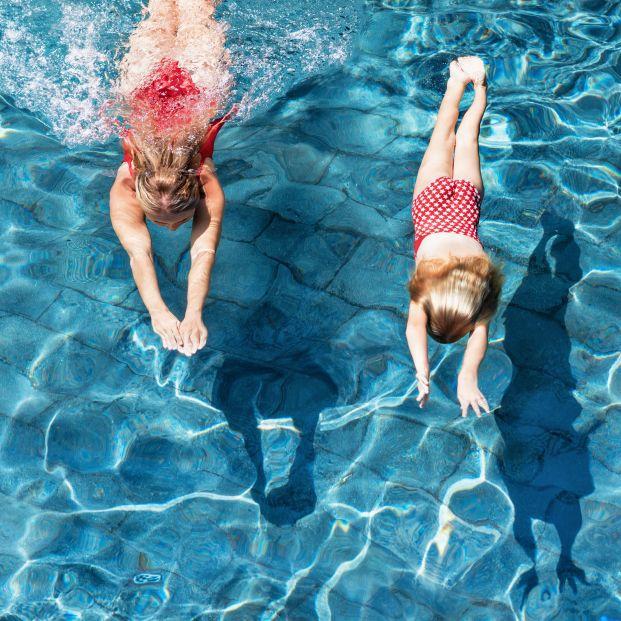 Corte de digestión: ¿realmente hay que esperar dos horas para bañarse después de comer?