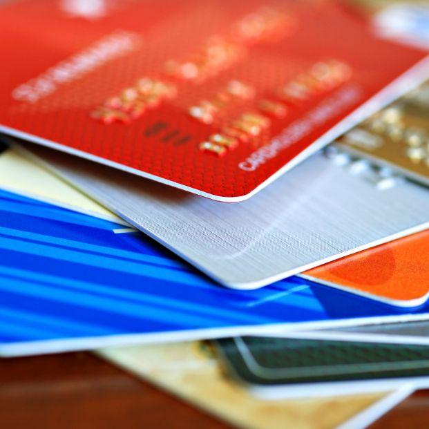 Cuidado con las tarjetas revolving: tienen una media de intereses del 19%