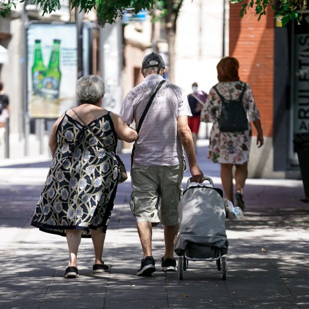 La pensión media de jubilación llega a los 1.377 euros en agosto