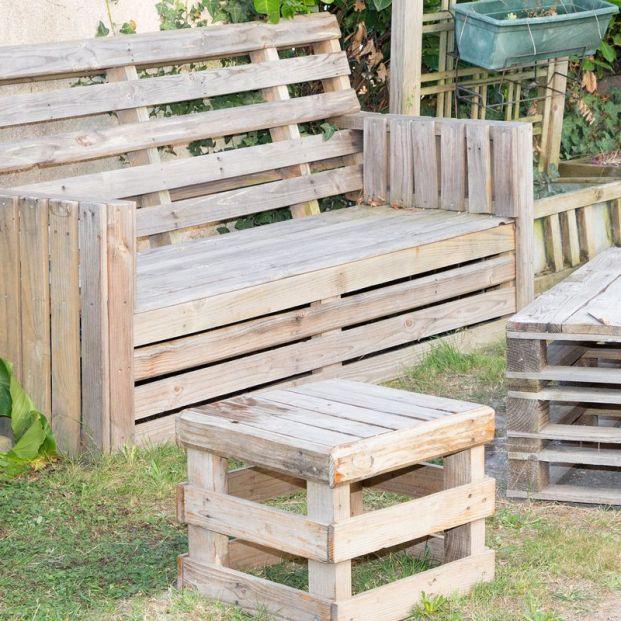Muebles con palets (bigstock)