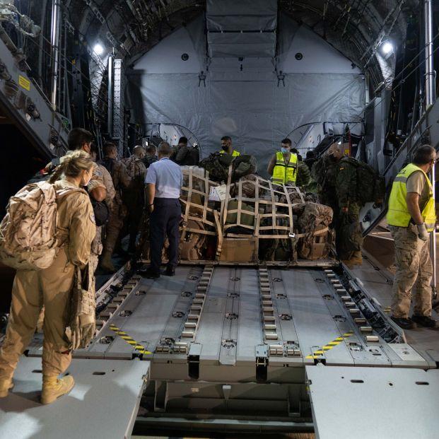 Universitarios españoles recogen firmas para traer de vuelta a un compañero atrapado en Afganistán