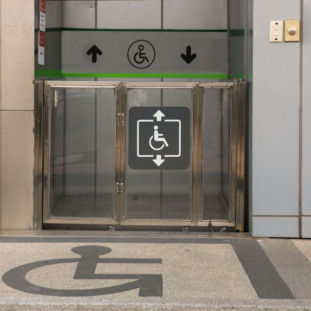 Accesibilidad y participación de personas con discapacidad en las ayudas a festivales de cine. Foto: Bigstock