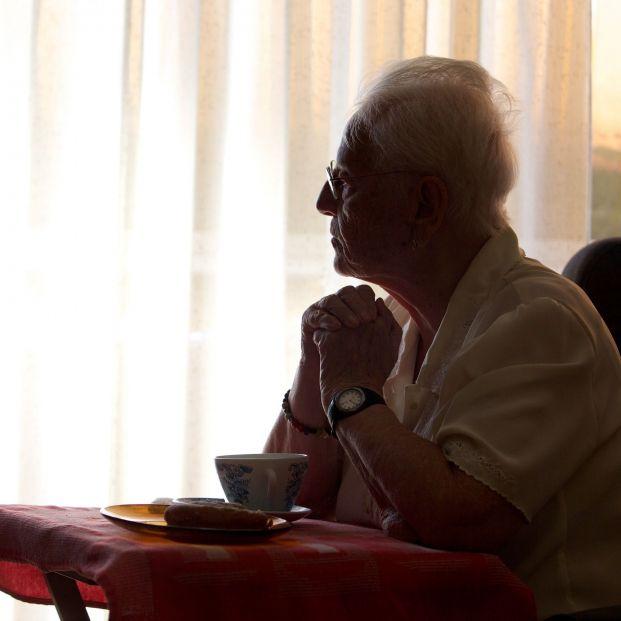 Más del 16% de los mayores de Barcelona se sienten tristes, según un estudio municipal. Foto: Europa Press