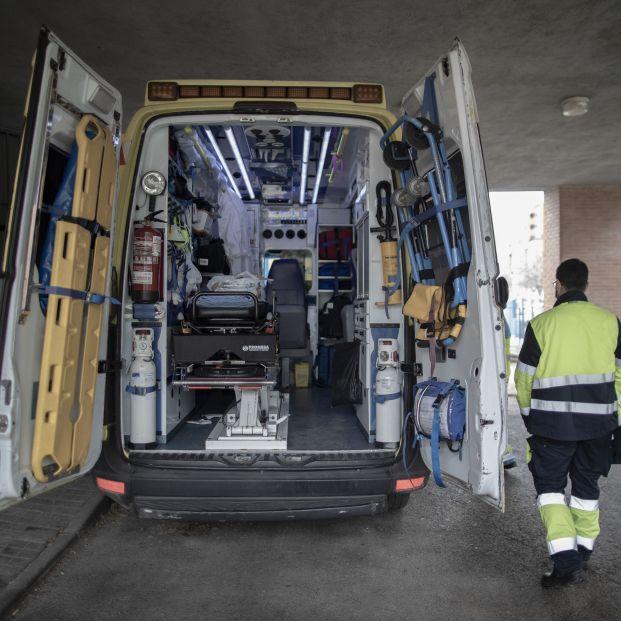 EuropaPress 3542437 trabajador uvi movil summa 112 jornada trabajo madrid espana 29 enero 2021