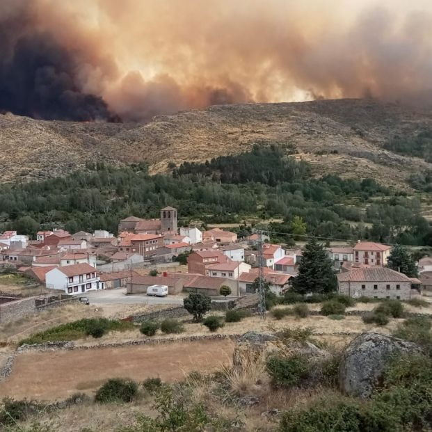Abren diligencias en un juzgado de Ávila por el incendio de Navalacruz