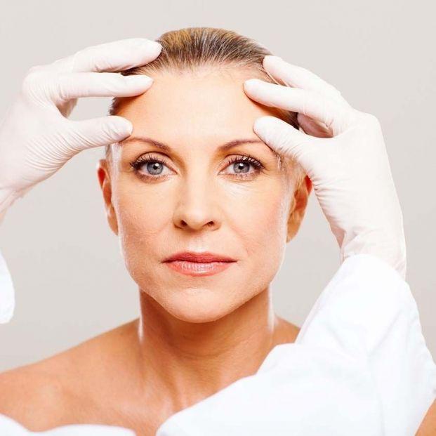 lifting facial a los 60 es posible (istock, Europapress)