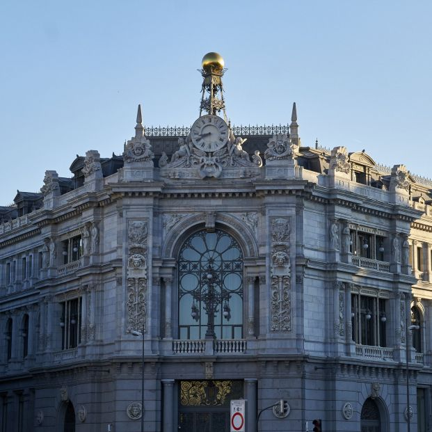 El Banco de España advierte a los clientes sobre los regalos de los bancos por domiciliar la nómina. Foto: Europa Press