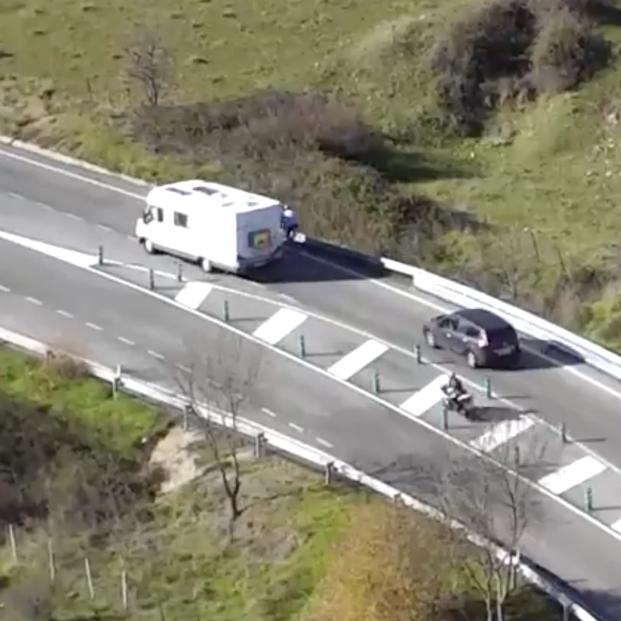 """La DGT publica un vídeo con su """"TOP 10 de imprudencias en carretera"""".  Captura de pantalla DGT"""