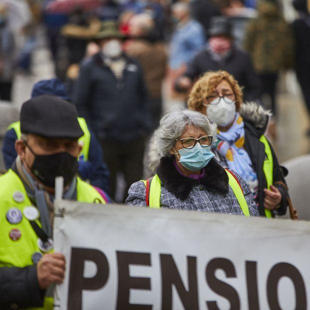 EuropaPress 3487313 varios pensionistas sujetan pancarta manifestacion convocada movimiento (1)