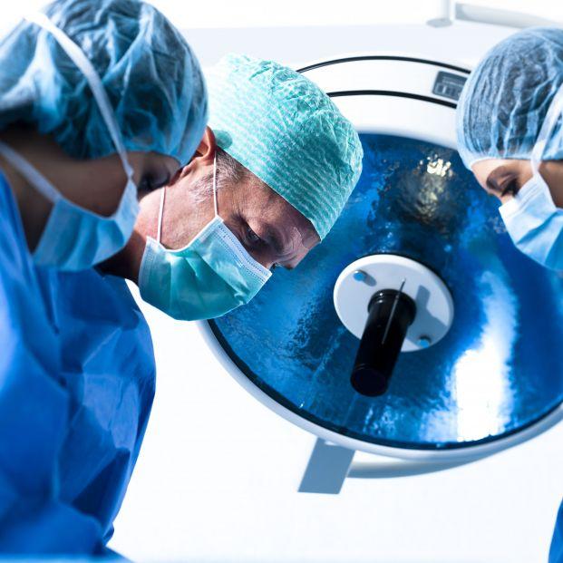 El coronavirus aumenta el riesgo de coágulos sanguíneos peligrosos durante una cirugía posterior