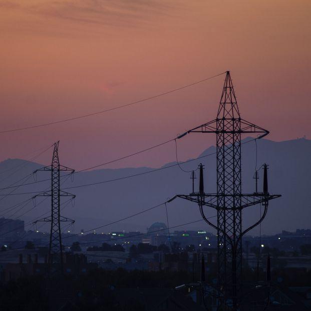 EuropaPress 3848962 torres tension dia precio luz alcanza maximo historico 20 julio 2021