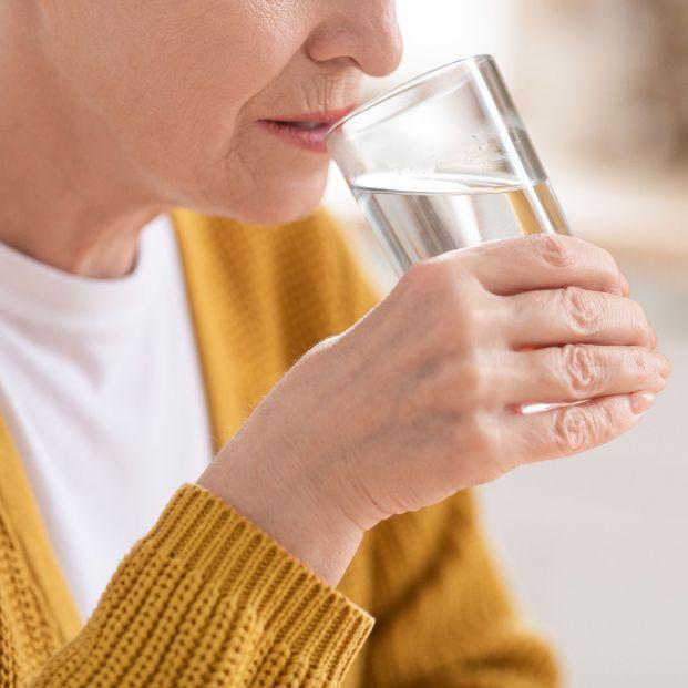 bigstock Health Benefits Of Drinking Wa 403705877